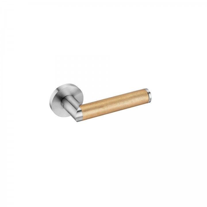 """Puxador de porta """"Link Brass Diamond Cut"""", com roseta metálica RC08M"""