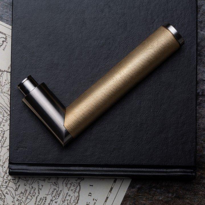 Manilla de puerta Link Brass Diamond Cut con roseta metálica RC08M