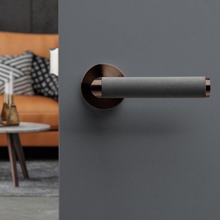 Lever handle Link Concrete - Titanium Chocolate